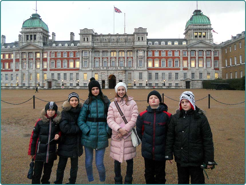 Travel to England students of Scandinavian Gymnasium